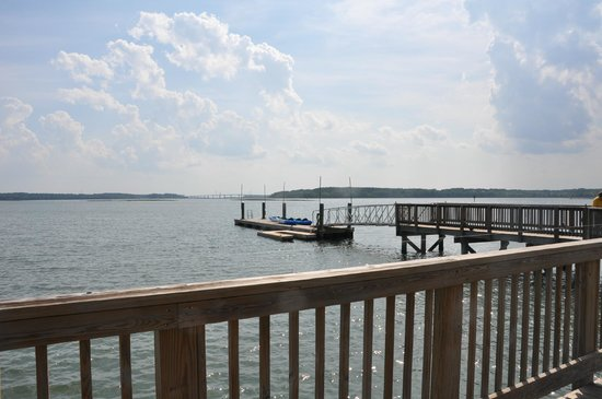 Bluewater Resort and Marina : dock