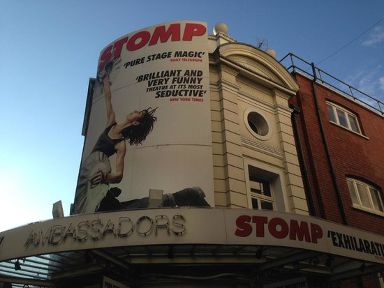 Stomp: picture of theatre