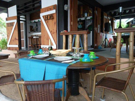 Calibishie Sandbar: Dinning area on the Beach.