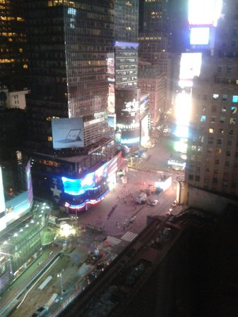 New York Marriott Marquis: View of Time Square from Room 2037 night time.