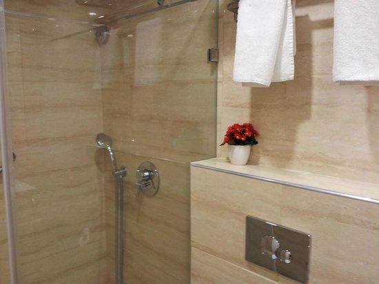 City Center Jerusalem : Bathroom