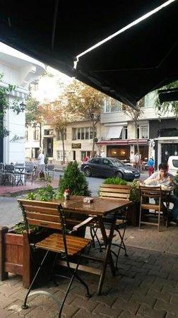 Kahvedan: Nice cafe