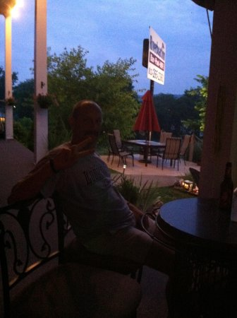 Riverboat Inn and Suites: on the patio