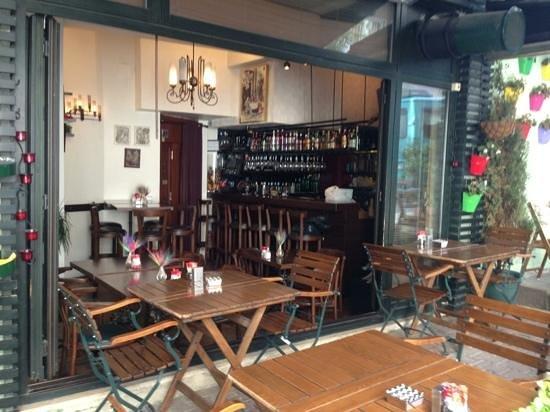 Kahvedan : Good coffee house