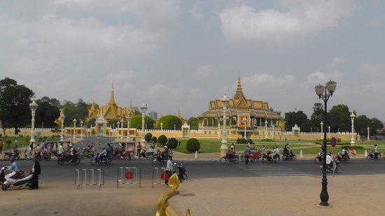 The Kabiki : Королевский дворец недалеко от отеля
