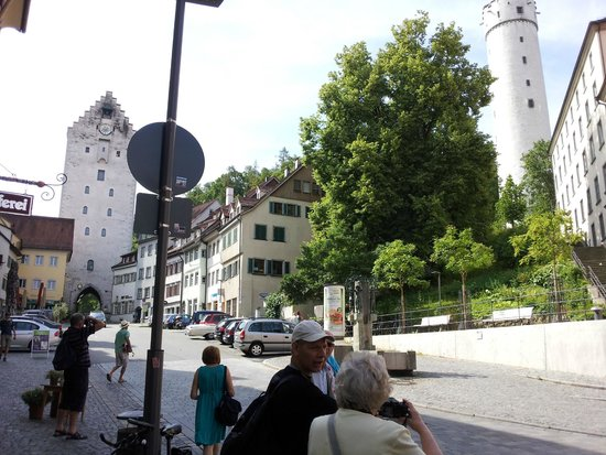 Hotel Obertor: Perfect Location - it is on the Left next to the Gate