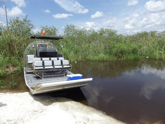 Airboat In Everglades : The airboat