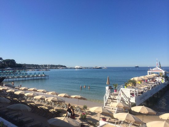 Garden Beach Hotel : La plage et le ponton