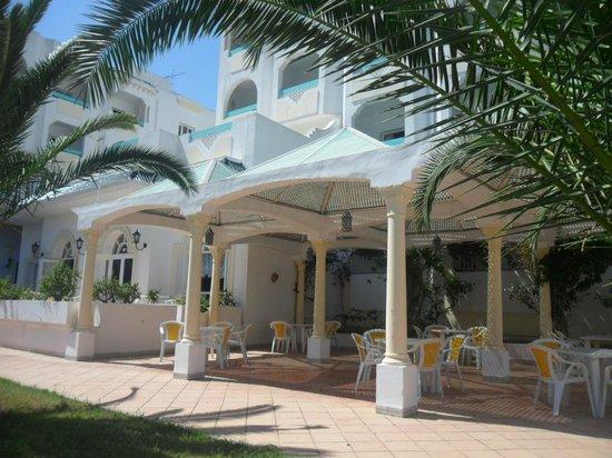Hotel Green Golf: salle a manger exterieur
