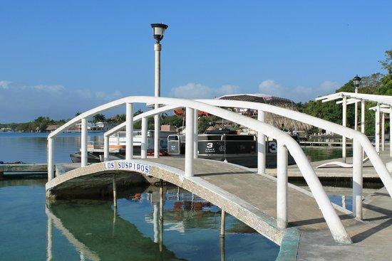 Puente de los suspiros picture of hotel laguna bacalar for Villas wayak bacalar
