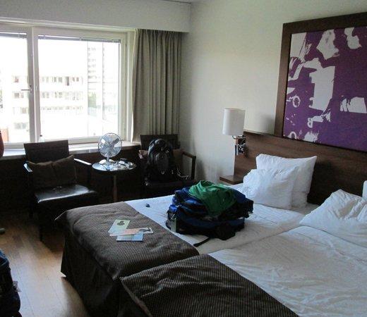 Park Inn by Radisson Solna : 6th floor - nicely sized room