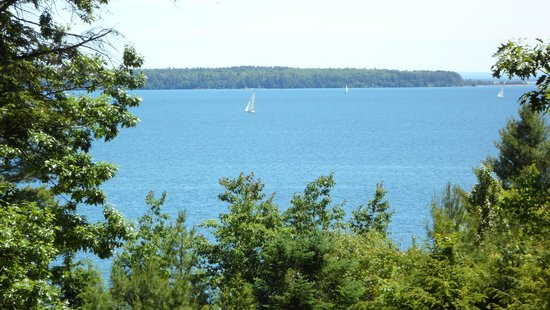 Seagull Bay Motel : Lake Superior and Madeline Island from the back deck