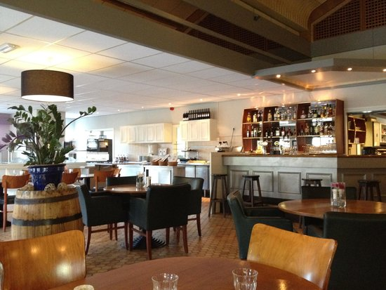 Campanile Hotel Eindhoven: bar lounge
