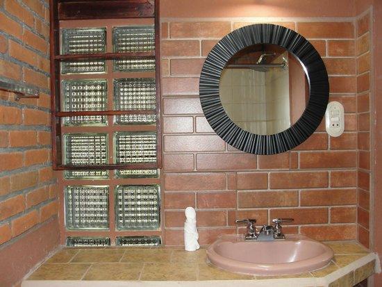 Hotel Utz Jay: Cuarto de baño