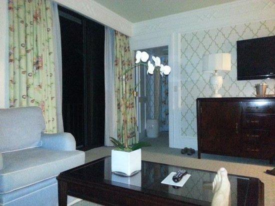 The Breakers: Oceanfront Suite Sitting Room