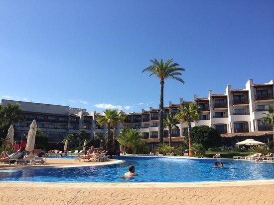 Precise Resort El Rompido - The Hotel : El RESORT desde la piscina