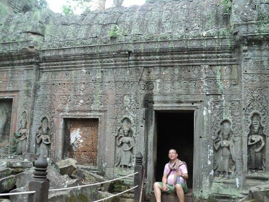 Tara Angkor Hotel: ta phrom temple