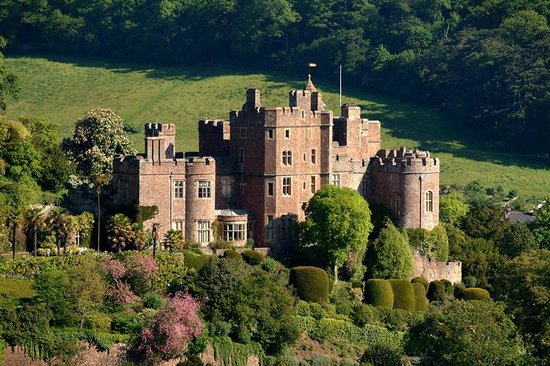 Marston Lodge Hotel: National Trust owned Dunster Castle