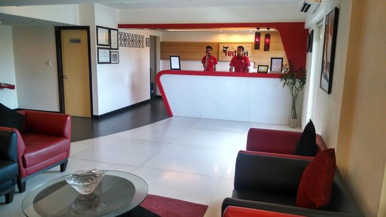 Red Fox Hotel Jaipur: Front Office