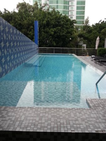 Aloft Guadalajara: Pool