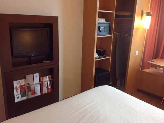 Ibis Singapore on Bencoolen: Room