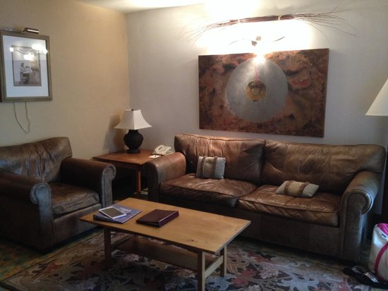 Las Palomas Inn Santa Fe: Living area