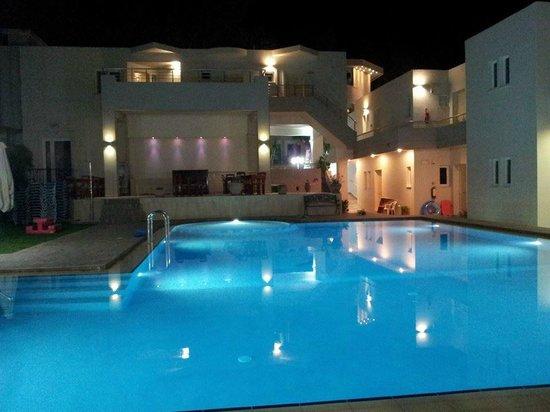 Tarra Hotel