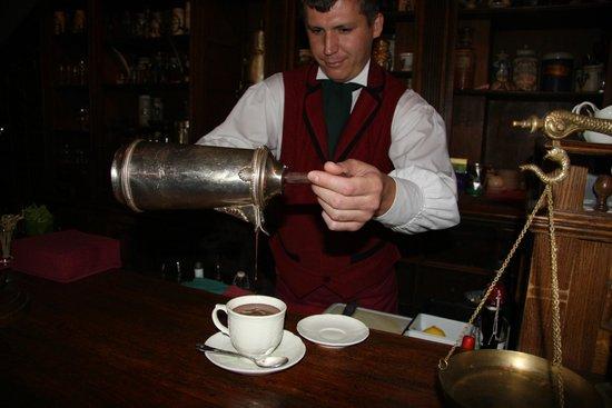 Café Pushkin : Service personnalisé du chocolat chaud, l'exeptionnel commence ainsi !