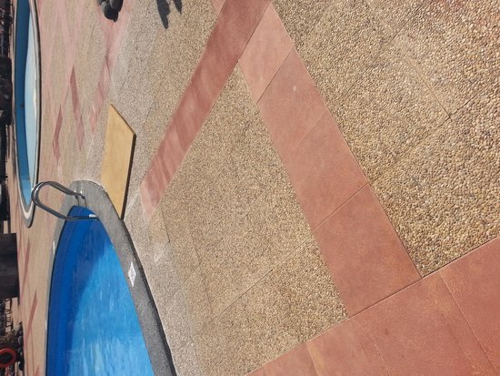 Vitalclass Lanzarote Sport & Wellness Resort: Nice piece of wood covering up the hole