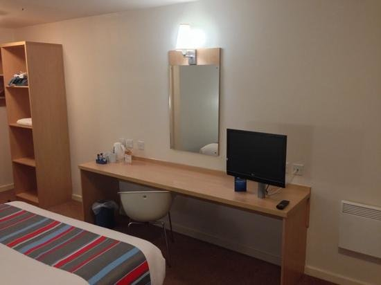 Travelodge Mansfield Hotel: Desk area