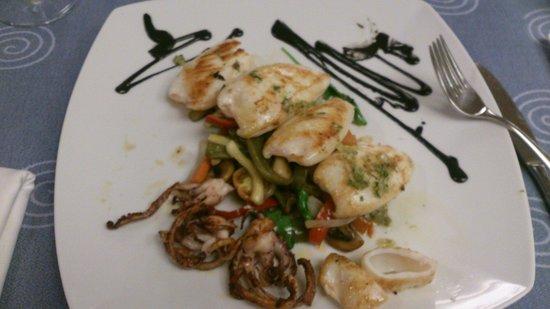 Restaurant Aquarium: Seppie alla griglia con Nero di seppia