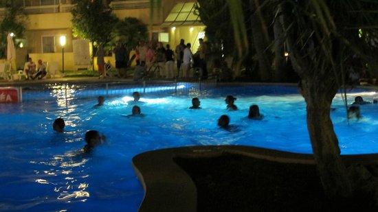 Hotel Ibersol Son Caliu Mar: bain de nuit tout habillé