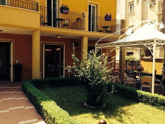 Hotel Alibi: Терасса