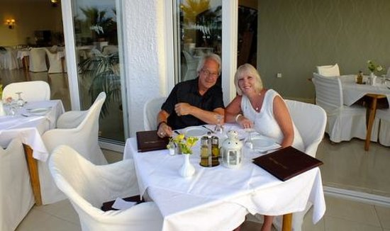 Mike Hotel & Apartments : us in restaurant