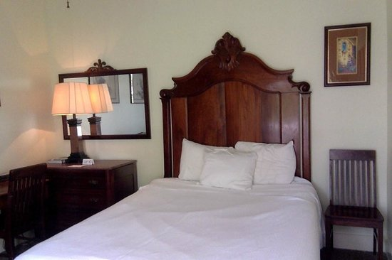 New Orleans Guest House: room