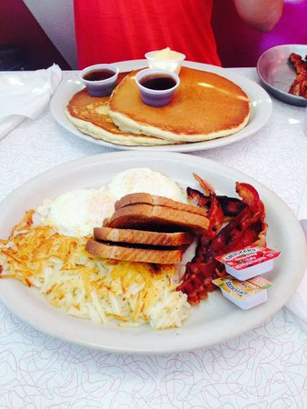 Kroll's Diner: Good portions!