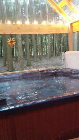 Hominy Ridge Lodge and Cabins: Awesome Hot Tub