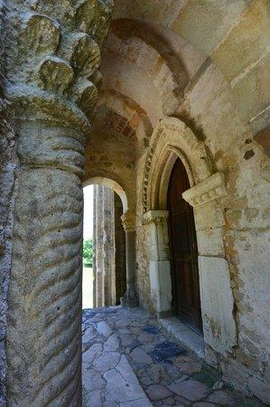 Santa María del Naranco: Detail at entrance to Santa Maria de Naranco