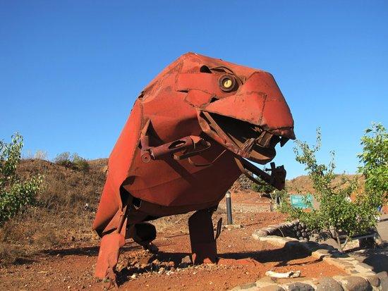 Mount Bental : Metal dinosaur