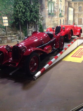Simeone Foundation Automotive Museum: Ferrari & Alfa Romao