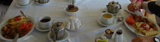 A la Claire Fontaine de Beebe: Breakfast