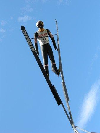 Musée du ski de Holmenkollbakken : Skier Sculpture