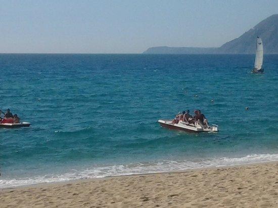 Nicotera Beach Village: mare incantevole con scorcio di Tropea
