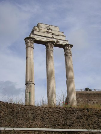 Through Eternity Cultural Association: Temple of Castor and Pollux, built in 495 BC