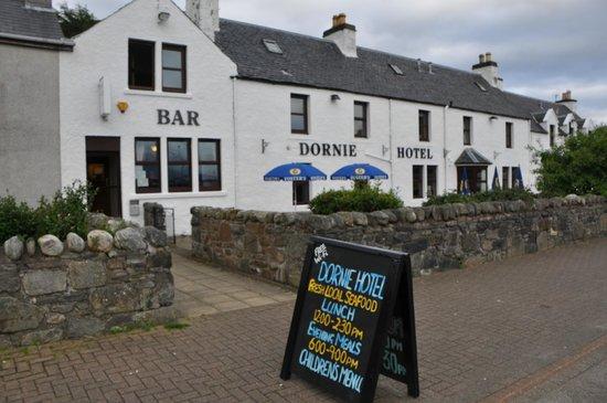 Dornie Hotel Restaurant Außenansicht