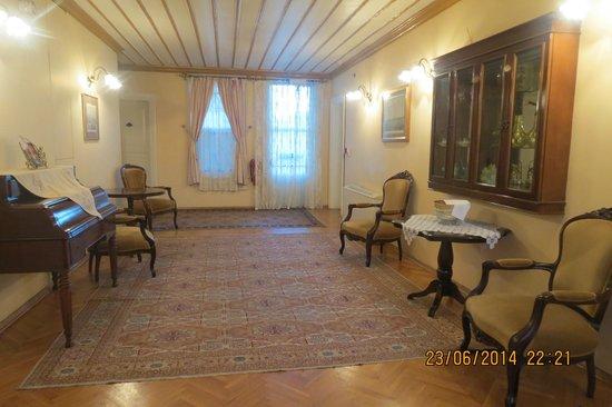 Hotel Yesil Ev: outside the room, nice