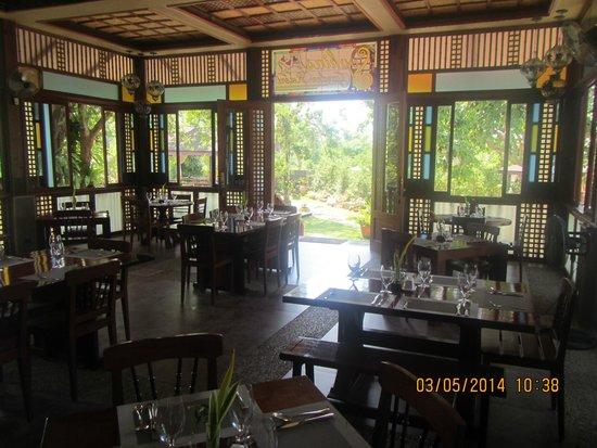 Sophia's Garden Resort : very clean-dining area