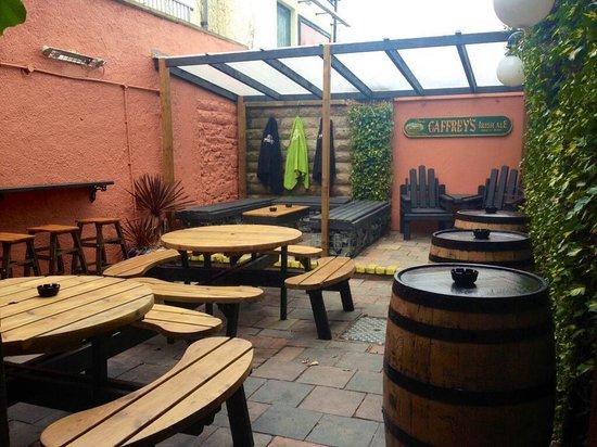 Jenny Watts: Beer garden1