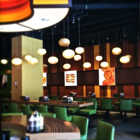 Bobby's Burger Palace: View of restaurant