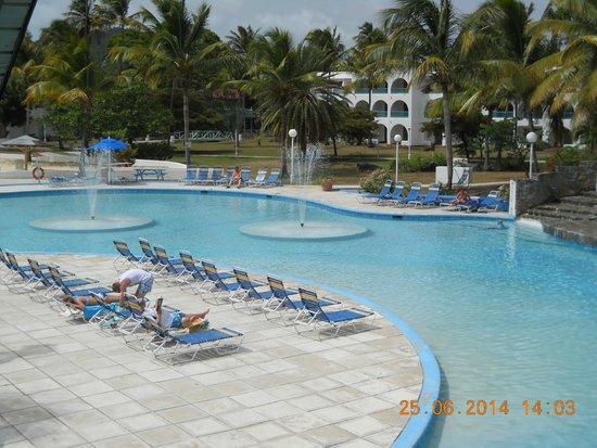 Starfish Jolly Beach Resort : pool